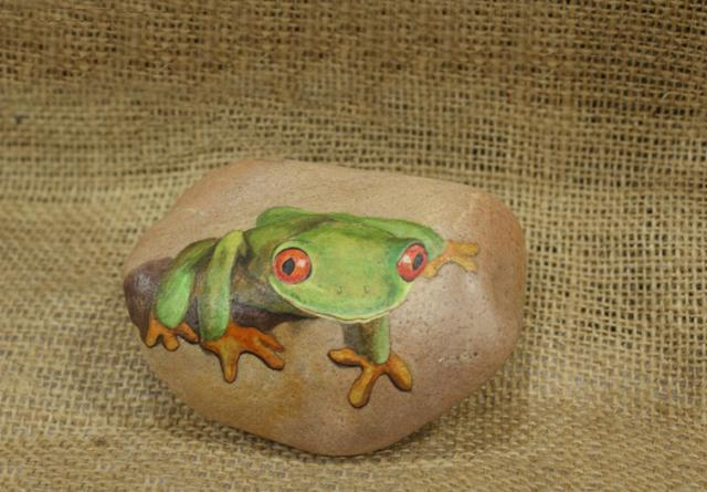 石头刻画成不同的工艺品 步骤其实也是非常的简单 家用系列: 动物系列