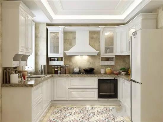 也就是说一个4平米左右的正方形厨房也可以做成u型厨房.