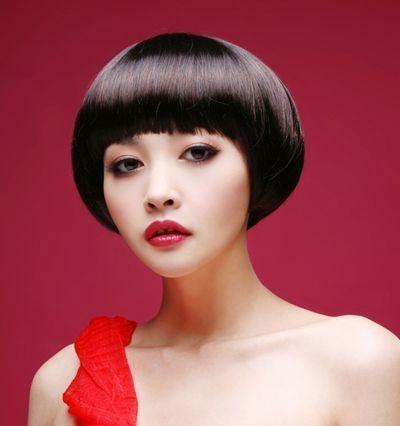 夏天剪这样的蘑菇头短发才叫流行发型