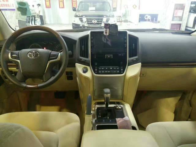 17款丰田酷路泽4600进口中东版 17款陆巡4.6最低报价