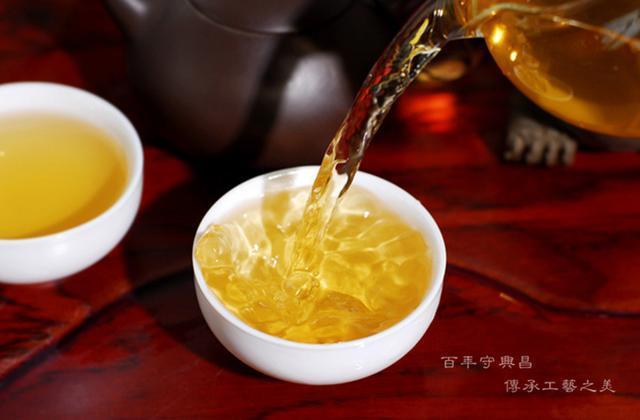 普洱茶老茶包装绵纸上有茶油能代表茶好吗