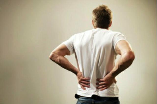 40岁男人的腰最累的是椎骨,民间偏方,治疗不复发