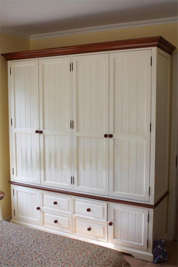 刚装完的九款平开门衣柜