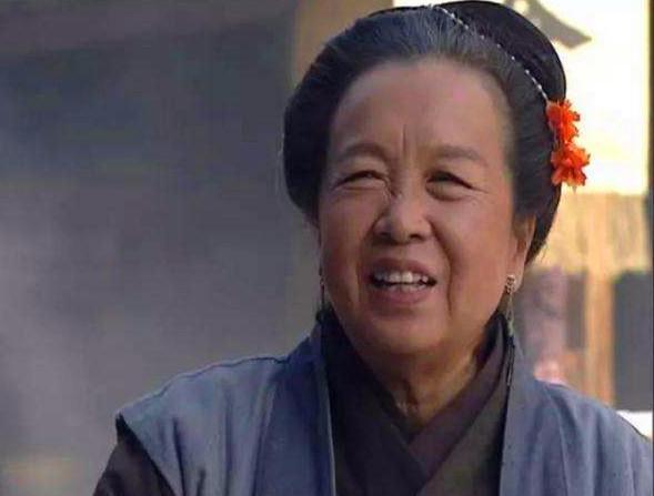 免费电视连续剧金瓶梅_金瓶梅:西门庆很郁闷,为得到潘金莲需先搞定王婆