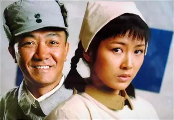 还记得 亮剑 中的田雨吗 和靳东演夫妻能大火吗