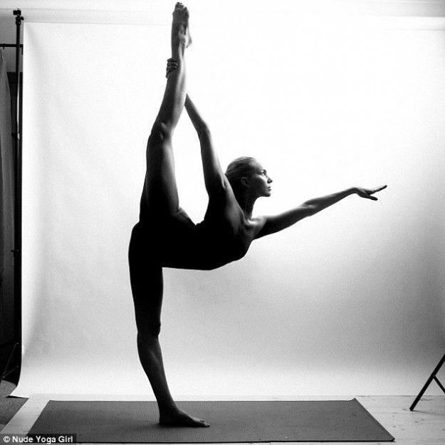 她的裸体瑜伽全世界都在看