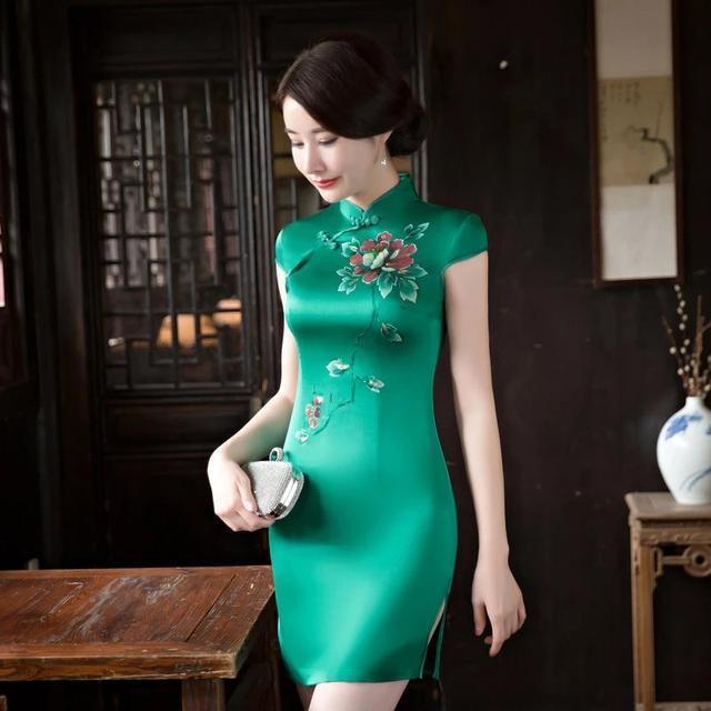 旗袍有了周婷,美轮美奂周婷穿上旗袍,熠熠生辉!