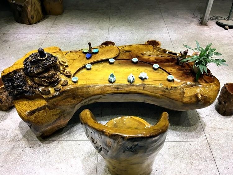 根雕茶桌虽好,但易开裂,怎样才能尽量避免呢