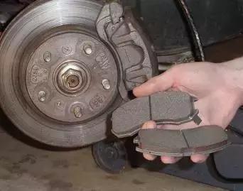 刹车分泵内部结构