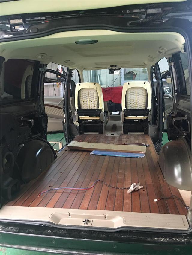 航空座椅,正副驾驶包覆改装扶手箱顶金色杯托,游艇木地板,顶棚,侧围的