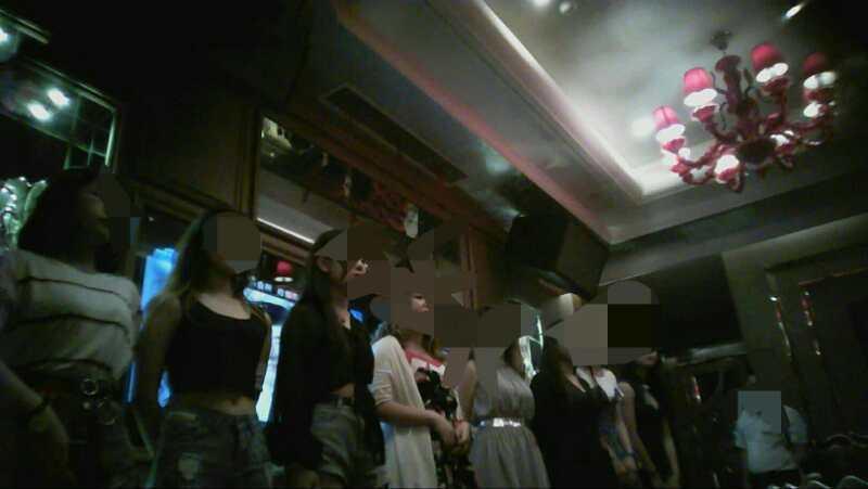 0月29日华孬绽谢_西安招聘摄影模特2018西安城墙环球星空模特年夜赛1