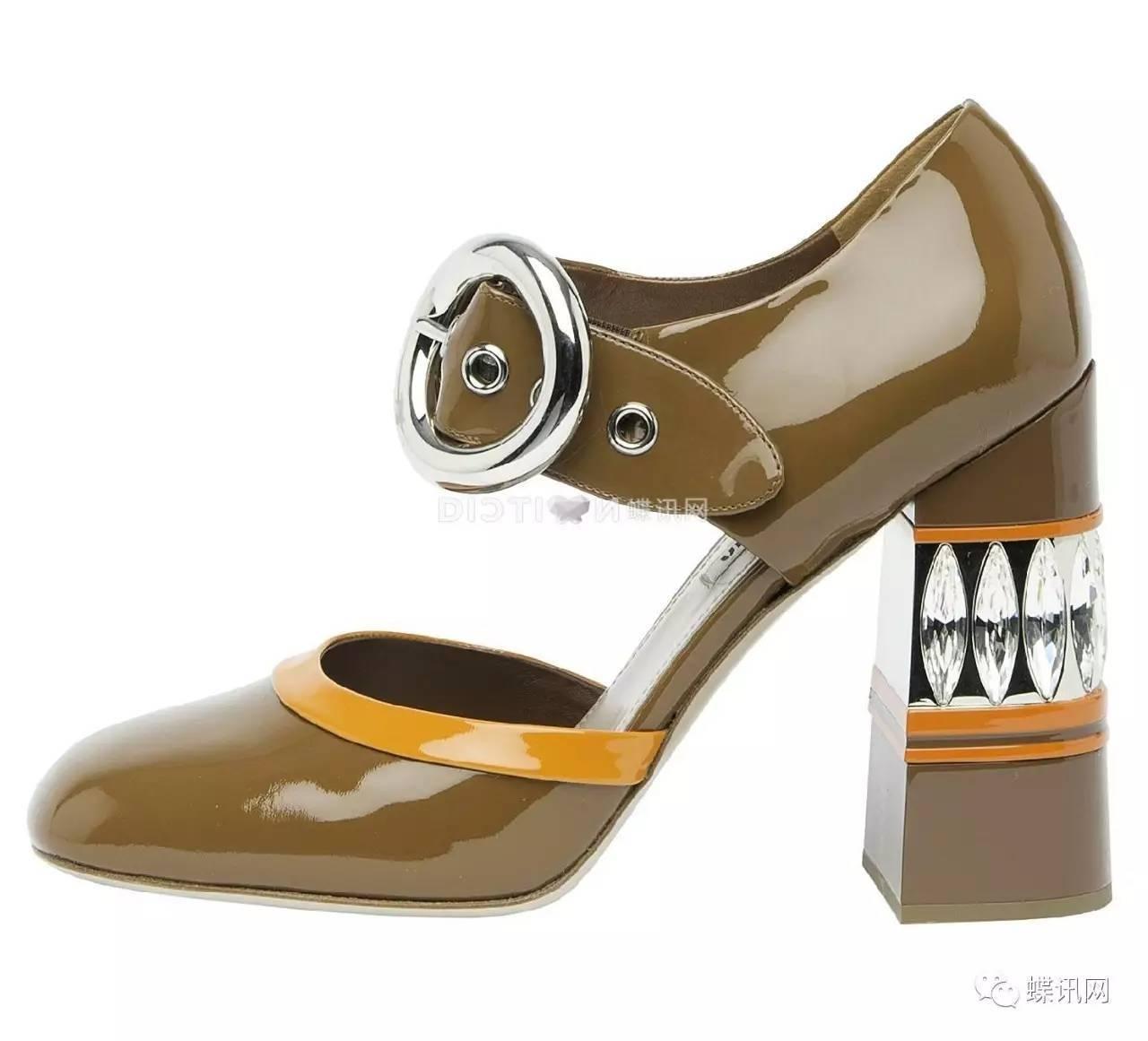 乐器与鞋子结合会有更有趣的联想,爱好文艺的姑娘一定不能错过.图片