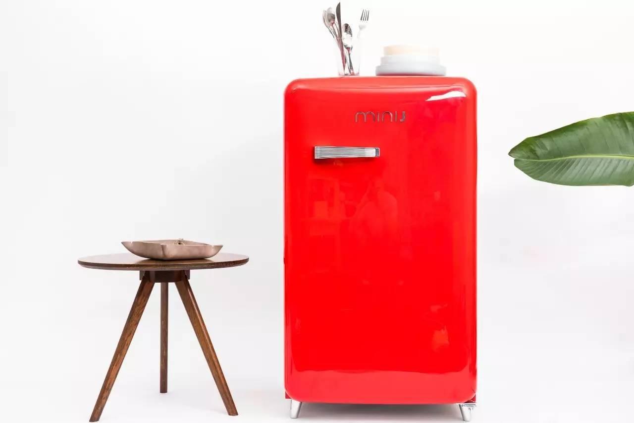 小�9.���j_这些时尚复古小冰箱来自minij小吉,一个坚持做迷你潮流家电的品牌.
