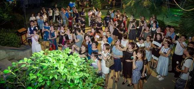 在永泰香米拉的这个派对上,是什么让众多美女惊叫不停!