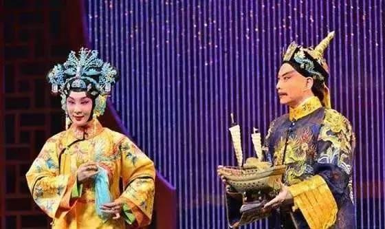 7新疆兵团六师五家渠市文化局话剧《沙枣树》 ◆ 9.8-9.