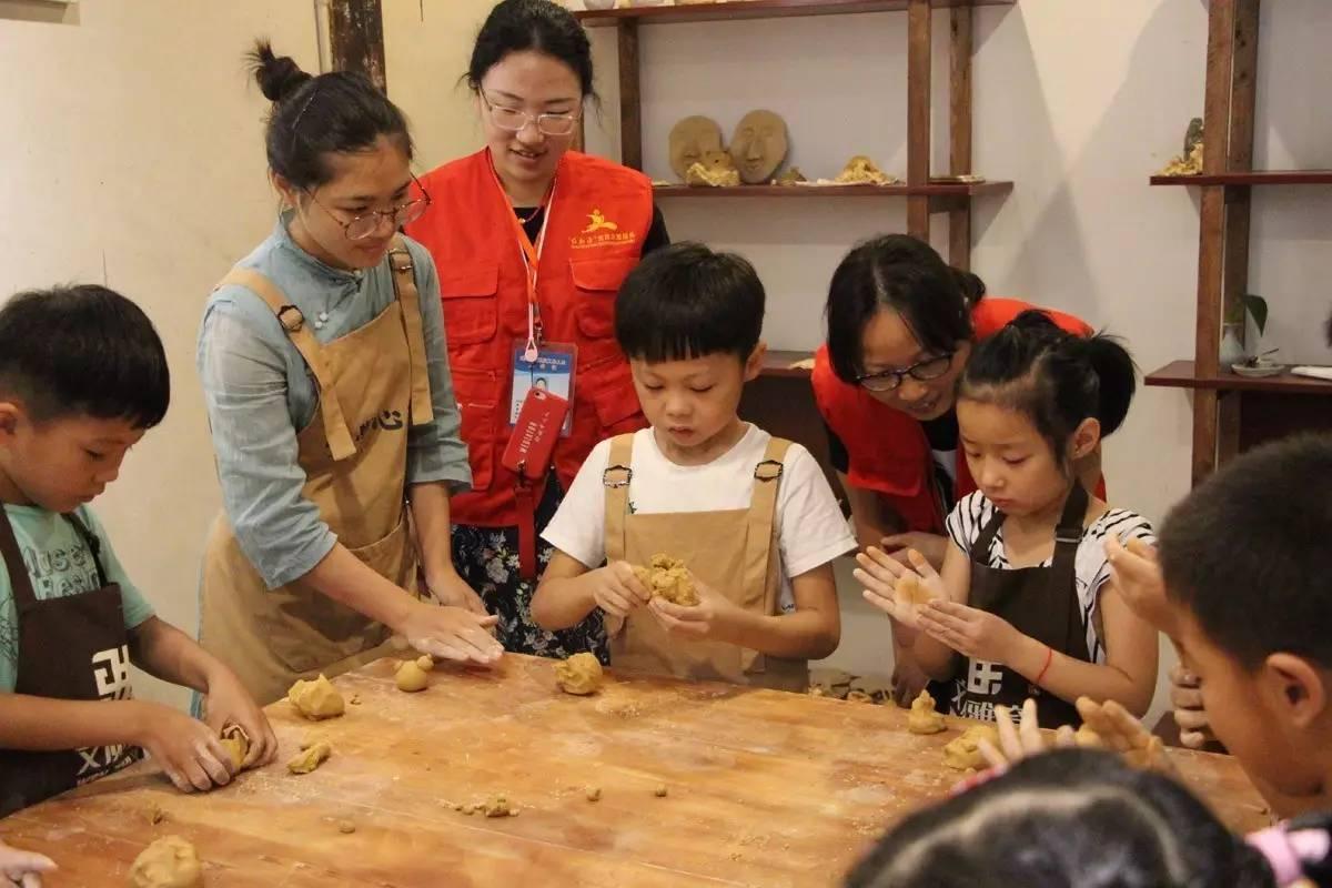 南关厢社区举办陶艺diy活动