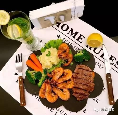 hv168鸿运国际,www.hv168.com|鸿运国际官网欢迎您解答:在增肌期,吃什么东西可以让我们只增肌不增脂?