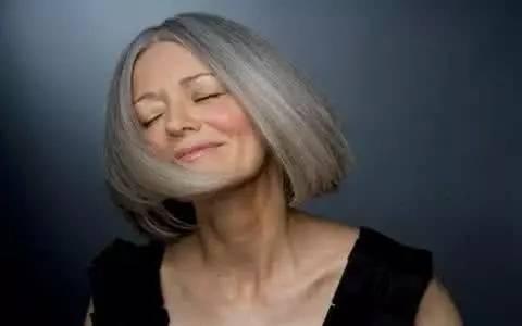 60岁女人还能操吗_新知| 60岁后男人要潇洒,女人要优雅