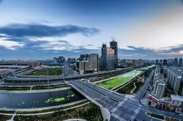 大连2019 gdp_大连星海广场图片