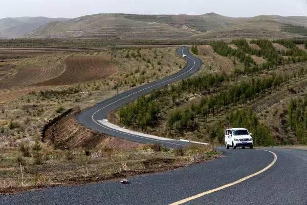 最险的公路_云南最美 最弯 最险的公路,你走过几条
