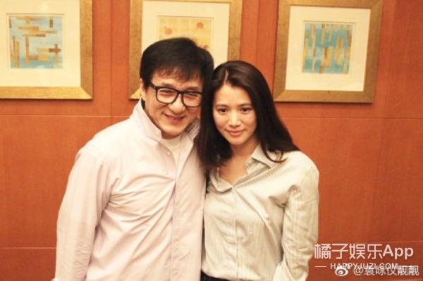 成龙袁咏仪关系破冰,结了22年的怨总算有个了结了...