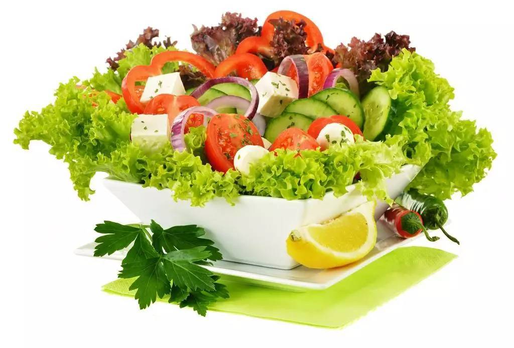 宝宝吃蔬菜,一定要避开这些误区! 1、长时间高温蒸煮绿叶蔬菜 常见的绿叶菜有菠菜、羽衣甘蓝、小油菜、油麦菜等,都是很适合宝宝的辅食。很多宝妈担心小宝宝无法咀嚼,就做的非常烂。殊不知绿叶菜最有价值的营养是纤维素和维生素,如果煮的过烂,纤维素就会被破坏,维生素也会流失。 建议:烹调绿叶蔬菜时可沸水快速焯一下,剁碎了给宝宝吃,这样就不存在嚼不烂的问题了。做菜粥时,不能菜和粥一起煮,应该在粥煮好之后,用上述方法把菜加工好后,再撒在粥上。 2、空腹生吃西红柿 有些妈妈说宝宝生吃西红柿不舒服,难道是宝宝不能吃?其实