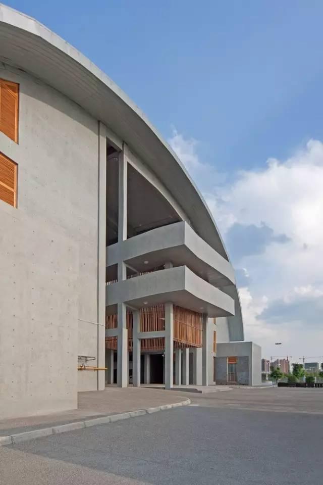 ↓联想研发中心(北京市建筑设计研究院)国内首个大型实战混凝土清水室内设计51项目教程下载图片