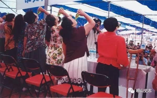 啤酒节专栏丨看完这些啤酒节的老照片,让我们一起来崂山叙叙旧!