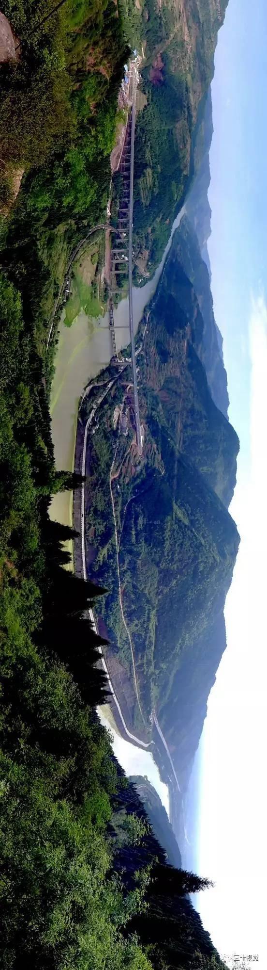 平台崖下分别是龙泉驿区,青白江所属.图片