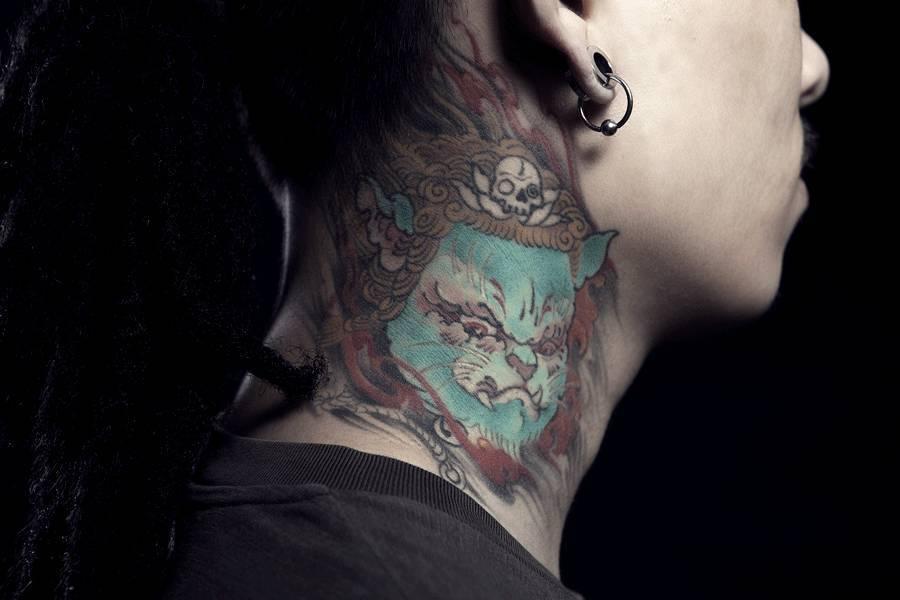 姓名: 嘉嘉 年龄:20岁 职业:工作室个体 爱好:纹身,摩托车,猫 纹身