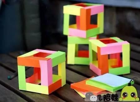 制作1个正方体,使用12张正方形便签就能做出来.