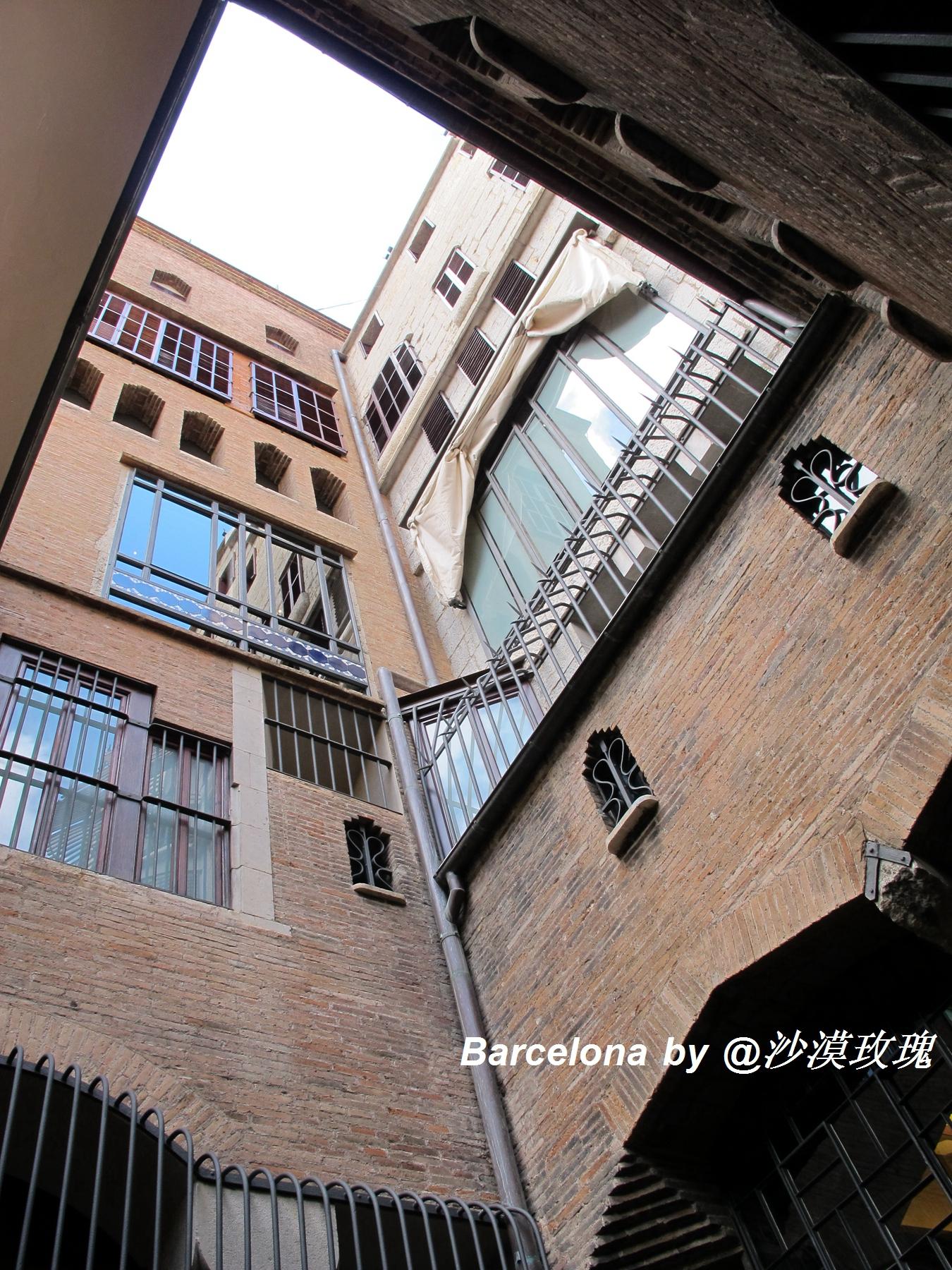 巴塞罗那兰布拉大道上的私人豪宅,高迪又一力作