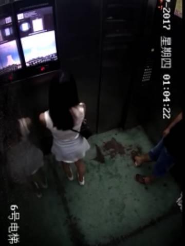 视频曝光!女子半夜乘电梯被男邻居强行扑倒!多次挣脱又被拽回...
