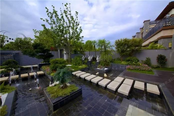 面积约260,3房2厅3卫,赠送别墅私家约150;总价1380万联排别墅丁山华花园的图片