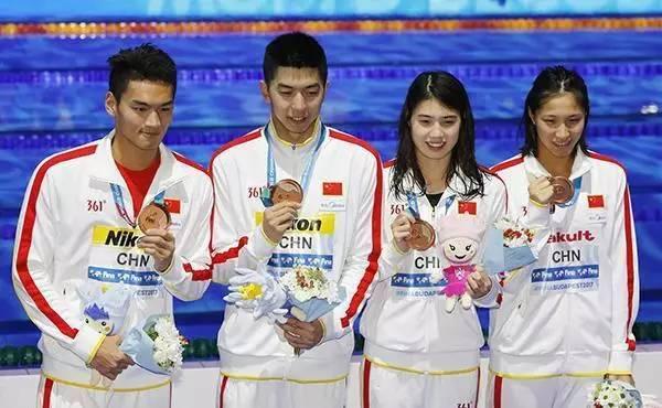 体育 正文  对此,前中国女子游泳队队员,伦敦奥运铜牌得主唐奕在接受