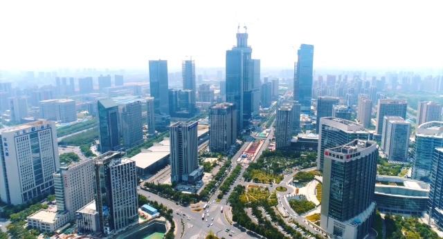 """经济增速""""三个第一""""是如何获得的?――访西安市委副书记、市长李明远"""