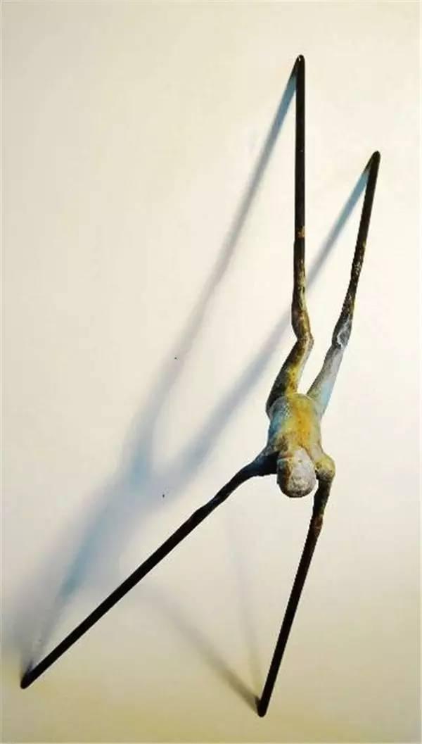 蜘蛛人现代青铜人物雕塑