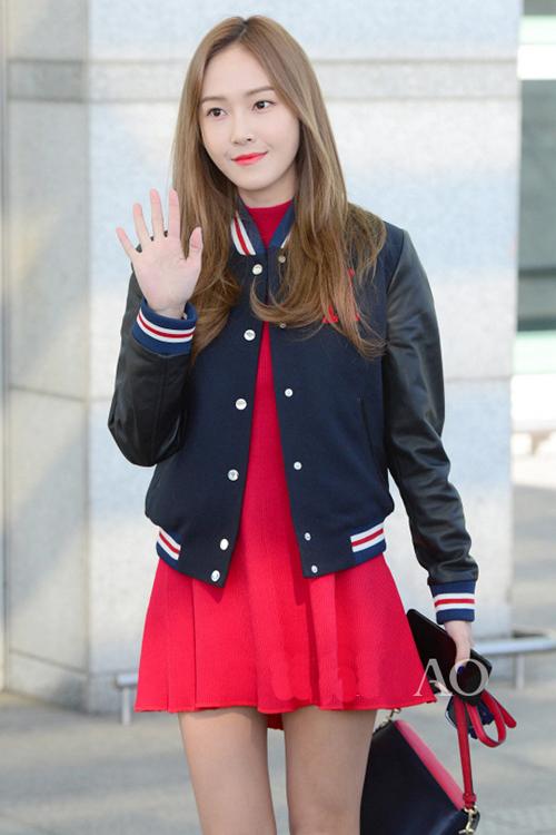 少女时代郑秀妍穿手拎爱马仕铂金包确实很妩媚 漂亮动人 15