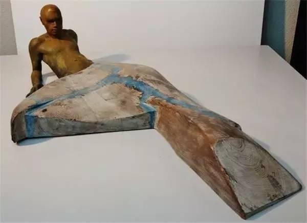 木材现代青铜人物雕塑