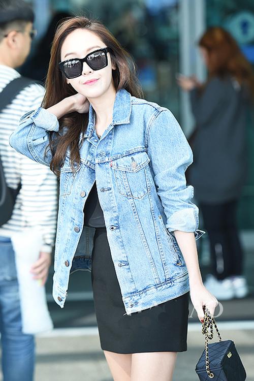 少女时代郑秀妍穿手拎爱马仕铂金包确实很妩媚 漂亮动人 19