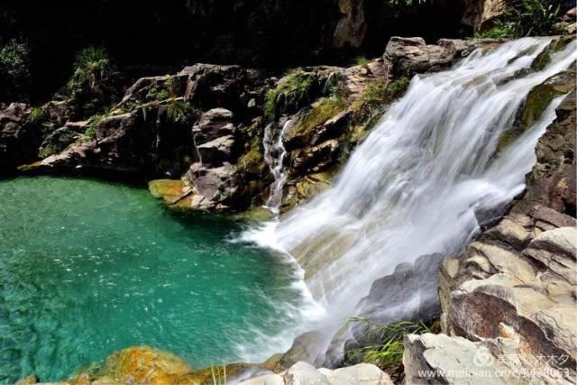 壁纸 大峡谷 风景 旅游 瀑布 山水 桌面 640_427