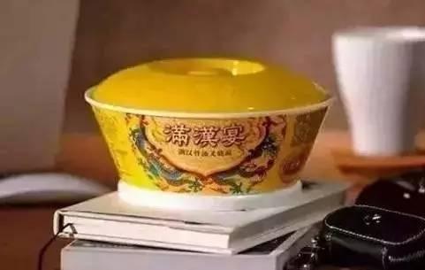 """老坛酸菜""""怼""""了红烧牛肉十年,结果被外卖摁住了天花板..."""