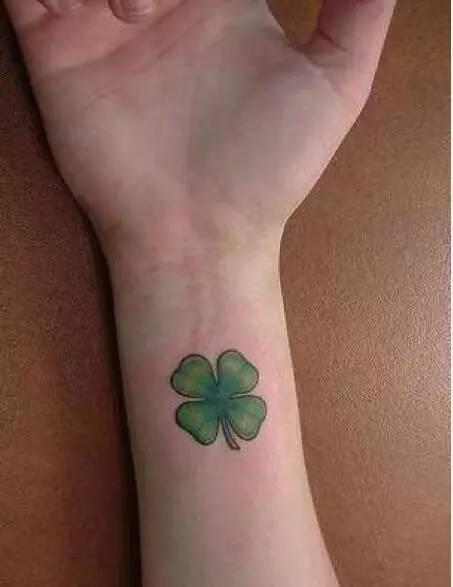 四叶草纹身——留在身上的幸运草