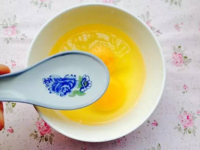 如何炒出香嫩软滑的鸡蛋?鸡蛋和它们一起搭配,美味得要上天!