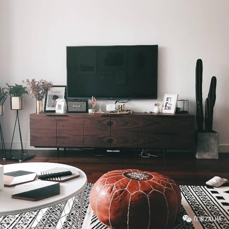时尚 正文  电视柜 ◆ tb 略带工业风的胡桃木色电视机柜买的时候感觉