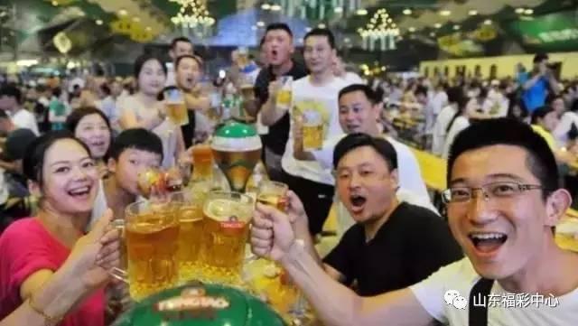"""啤酒节狂欢大奖来袭!TA变身成""""秘密武器"""""""
