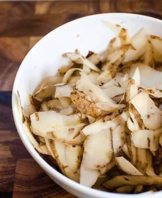 """除""""小强""""、除茶垢、让白发变黑……土豆还能这么用,你知道吗?"""
