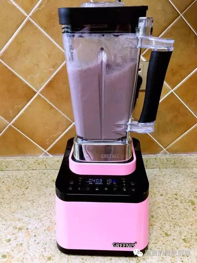 早餐营养热饮——椰汁坚果黑米露
