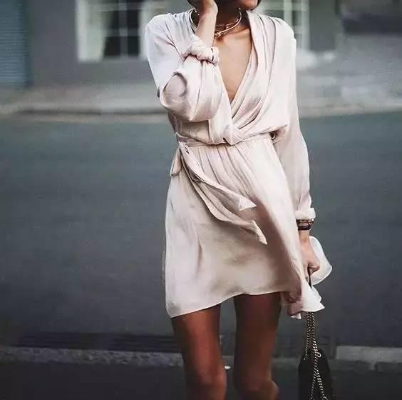 穿起缎面,闪耀这个夏天