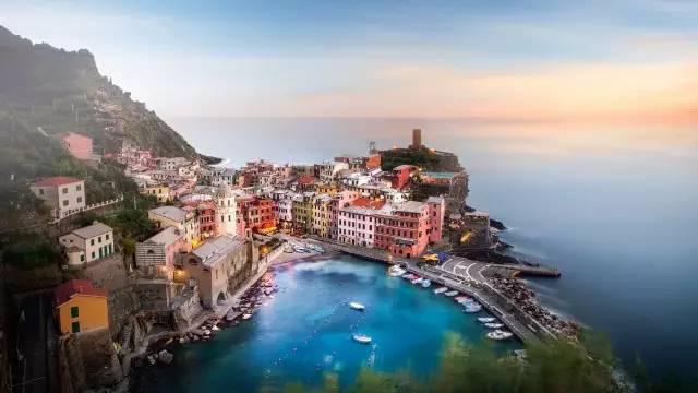 意大利竟有一处这么迷人的彩色村庄!